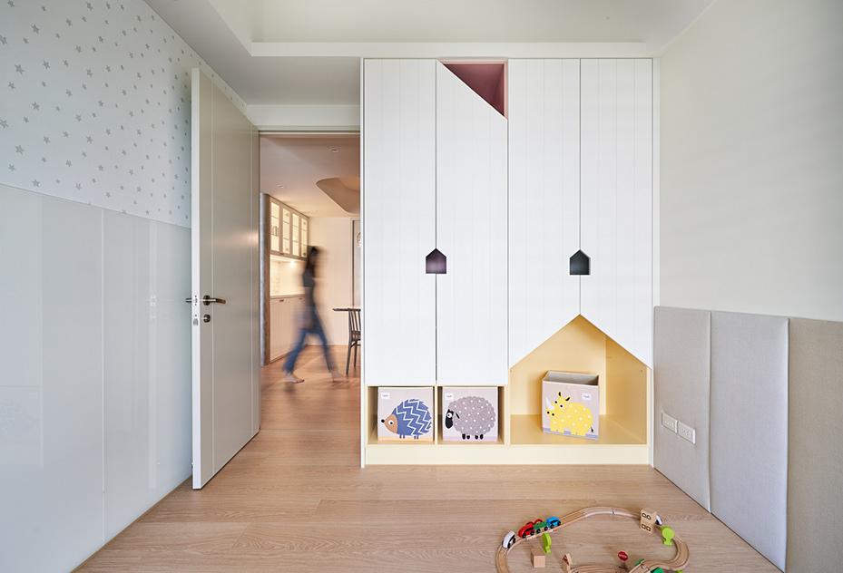 Phòng ngủ nằm ngoài phòng khách hoặc phòng ăn
